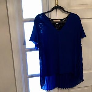 Michael Kors Tops - Michael Kors top worn once size XL